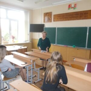Круглый стол «Между нами девочками…..»  со старшеклассницами